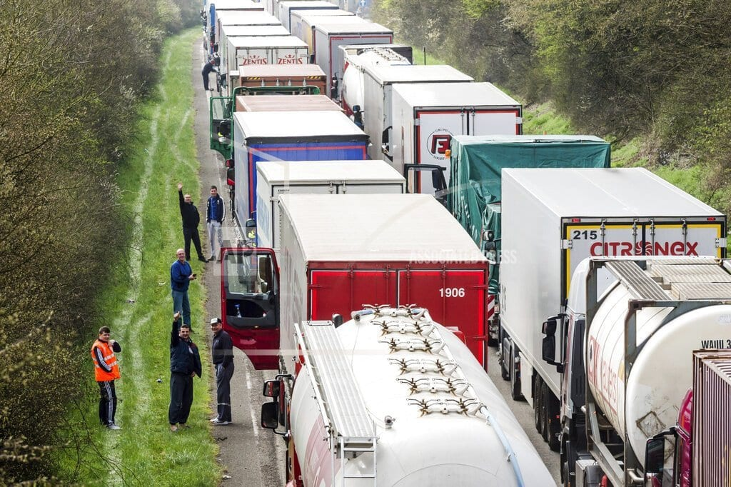 BRUSSELS | EU gets heavy-duty on pollution: 1st standards for trucks