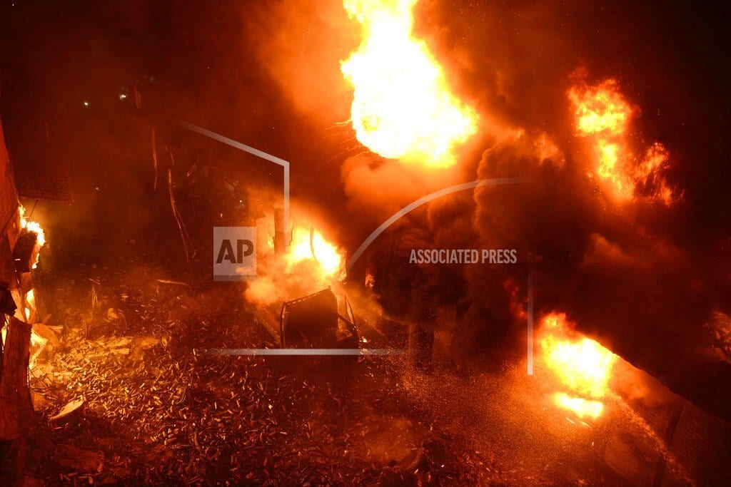 DHAKA, Bangladesh | Fire in old part of Bangladesh's capital kills at least 70