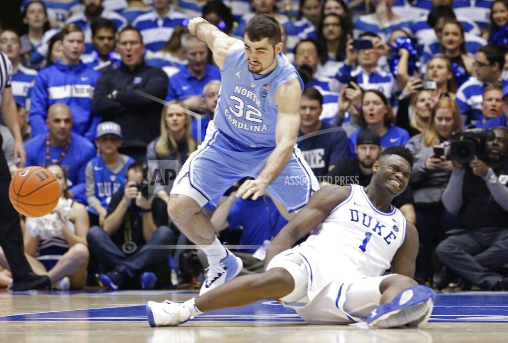 DURHAM, N.C. | Duke star Williamson sprains knee after Nike shoe blows out