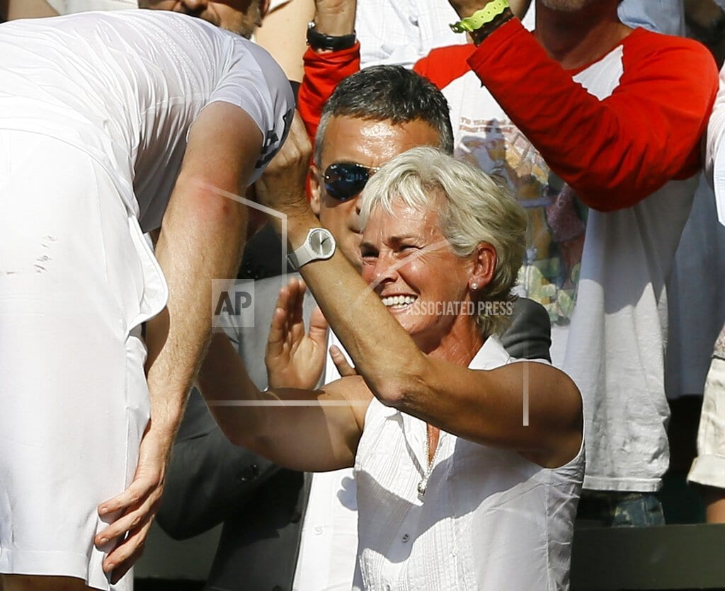 RIO DE JANEIRO | Murray's mother says former Wimbledon champ could play again