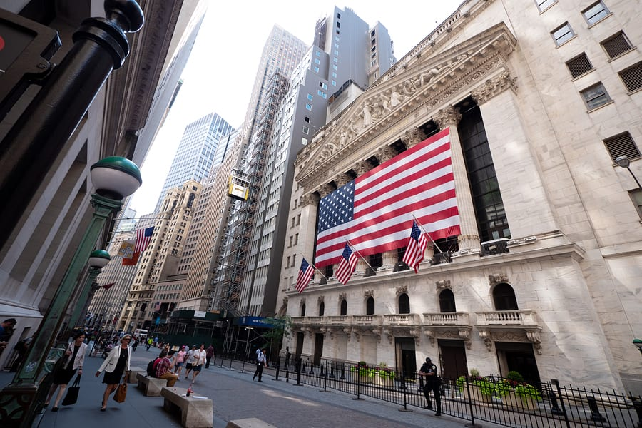 Business News: Realty Income Celebrates 25 Years On The NYSE